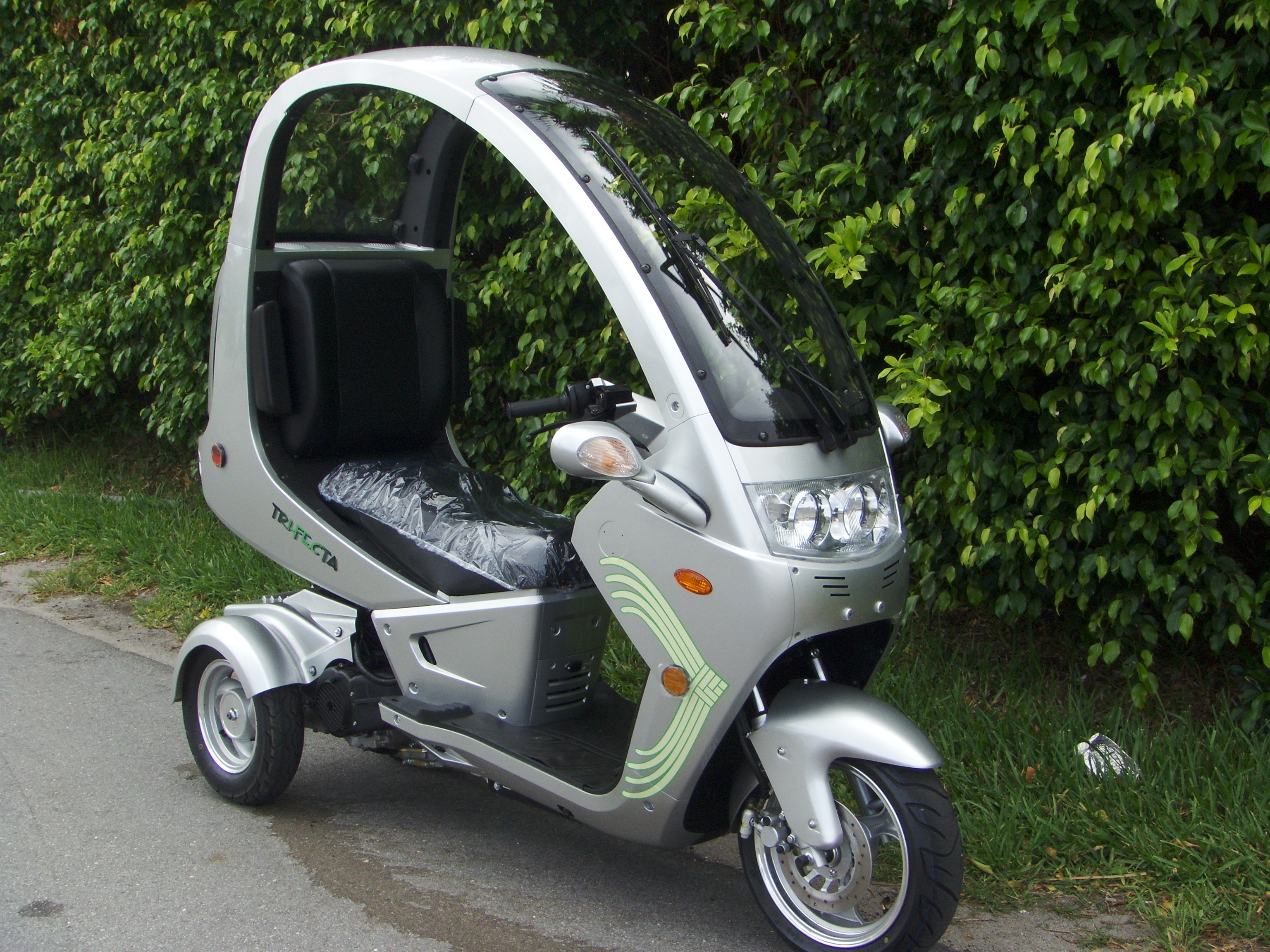 Three wheeled moped autos post for 3 wheel motor scooter for sale